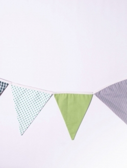 Banderines triangulares de tela doble x 2 mts – tonos fríos